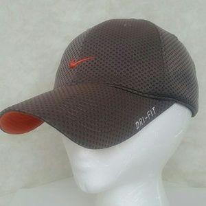 Nike TAILWIND DRI-FIT Women's Hat Velcro closure.